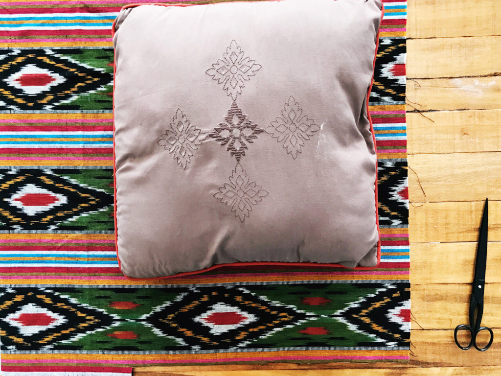 Envelope Style Pillow DIY